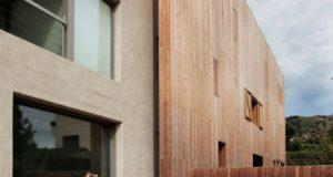 Фасад современного дома из дерева - разные варианты