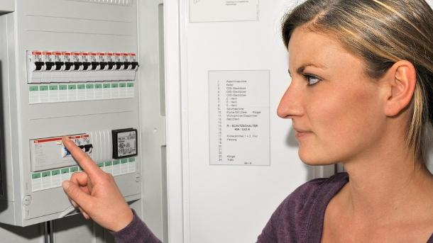 Линии электропередач в старых зданиях