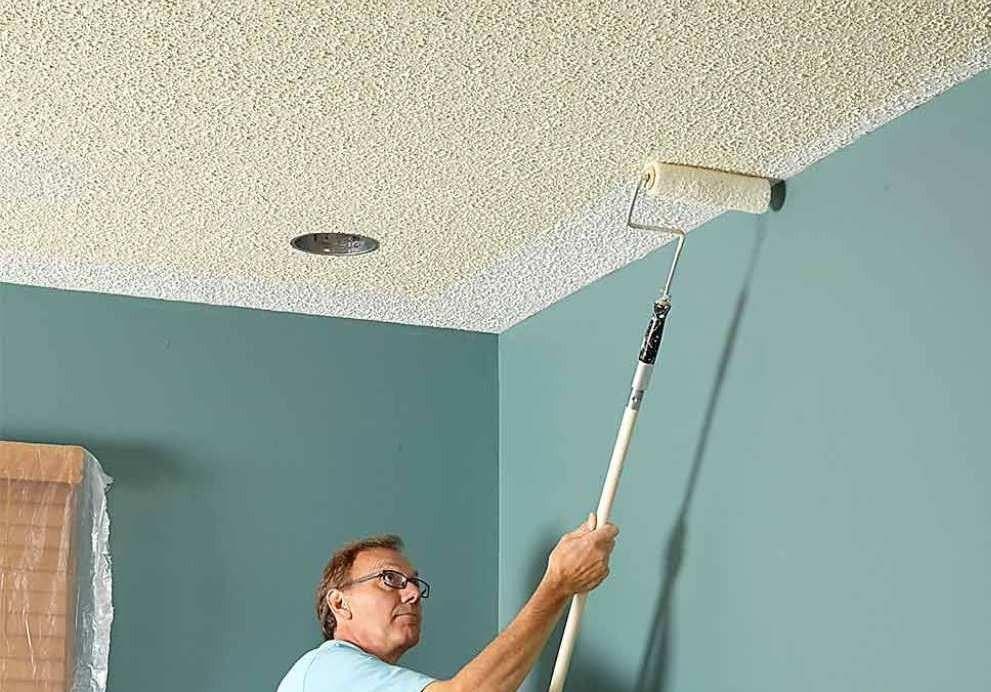 Помимо отделки потолка можно также использовать мраморную крошку.